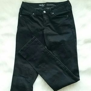 Missing Black Mid-rise straight leg jeans 00/24